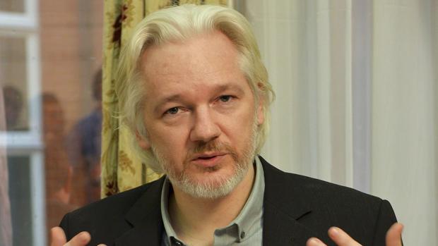 EE.UU. buscará el procesamiento de Julian Assange