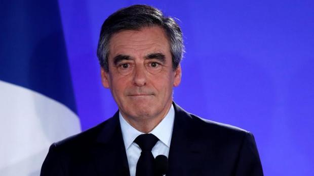 François Fillon, tras reconocer su derrota en la sede de su campaña, este domingo en París