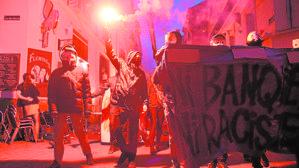 Protestas contra Le Pen en Nantes, tras conocerse los resultados de la primera vuelta