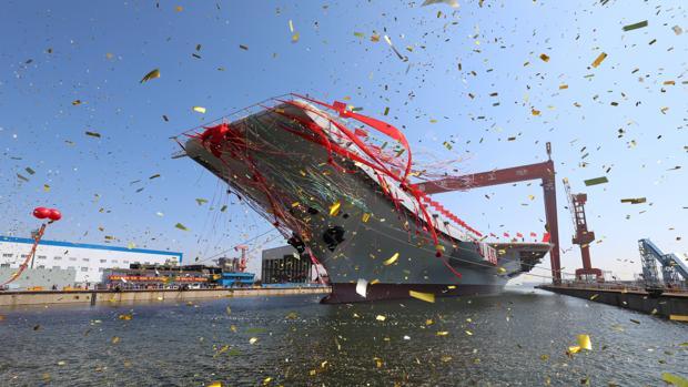 China bota su segundo portaaviones para hacer frente a EE.UU. en el Pacífico