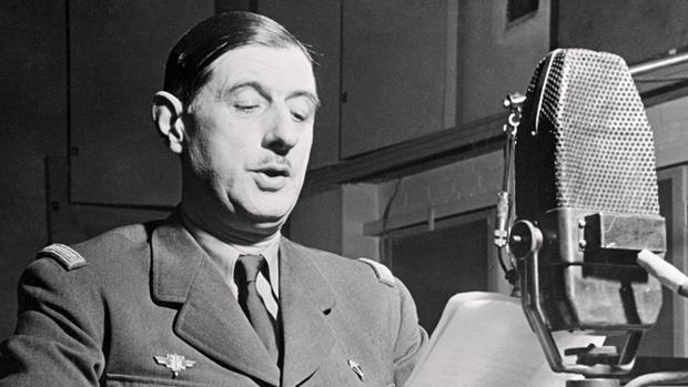 Macron ha dicho que quiere gobernar como el general De Gaulle, en la imagen hablando en la BBC en 1941