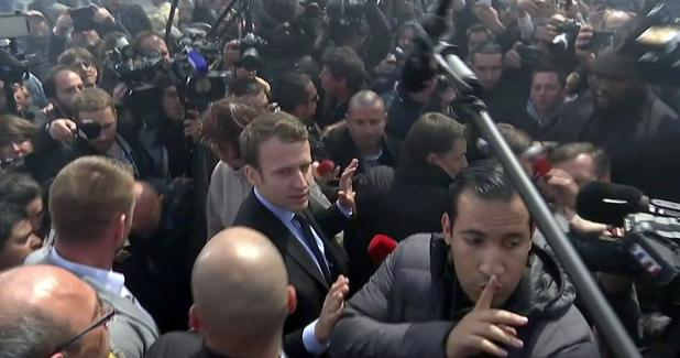 Macron, abucheado en una empresa por trabajadores en huelga