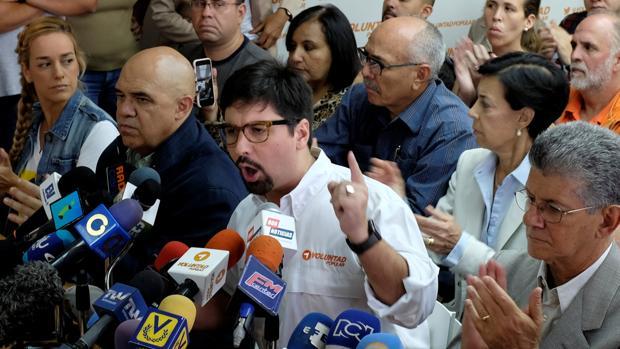 Freddy Guevara habla con la prensa en Caracas