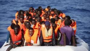 La Guardia Costera Italiana también ha rescatado a otras 37 personas que iban en embarcación a vela