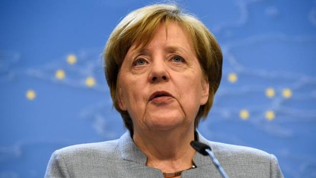 Angela Merkel en la rueda de prensa posterior a la cumbre de los 27