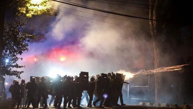 Hemeroteca: Policías y manifestantes se enfrentan frente a la casa de Michel Temer | Autor del artículo: Finanzas.com