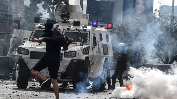 Los exiliados venezolanos repudian la intención de Maduro de cambiar la Constitución