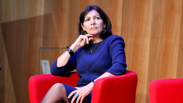 La alcaldesa de París arremete contra las primarias de los partidos en Francia