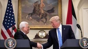 Mahmud Abás y Donald Trump durante la rueda de prensa posterior a su encuentro
