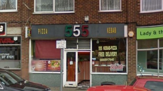 El grupo violó presuntamente a la joven en una habitación de la parte superior de una pizzería