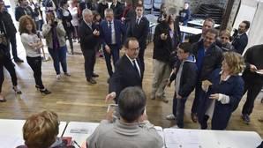 François Hollande no ha comparecido este domingo. Su única aparición ha sido ante las urnas