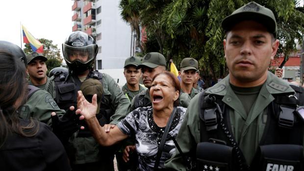 Capriles asegura que en Venezuela hay «ruido de sables»