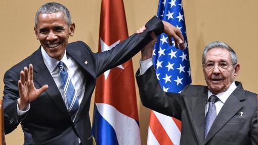 Barack Obama y Raúl Castro, en marzo de 2016, en el Palacio de la Revolución (La Habana)