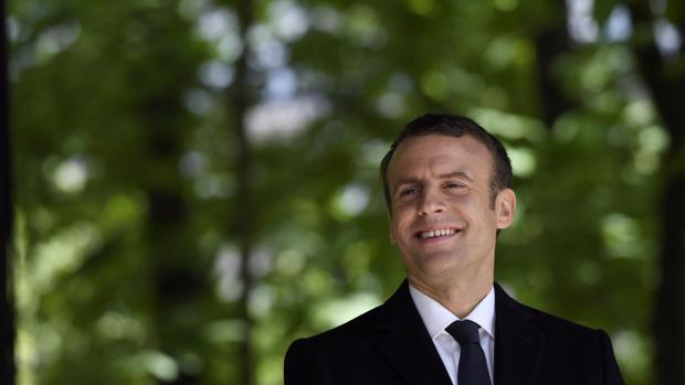 Macron basa en la sociedad civil sus candidaturas para las legislativas