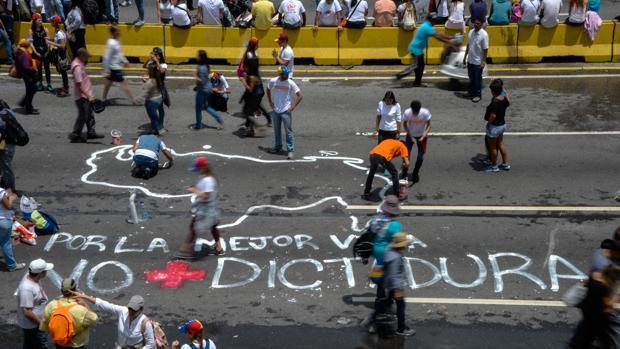Las manifestaciones que vienen produciéndose se han cobrado cuatro muertos más
