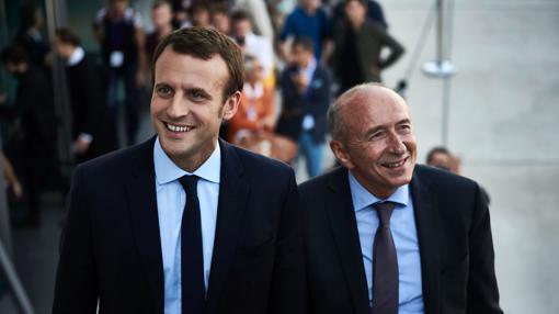 Emmanuel Macron sonríe junto al hasta ahora Alcalde de Lyon Gerard Collomb asistiendo a la Cumbre de los Reformistas Europeos. Collomb ha sido nombrado ministro del Interior