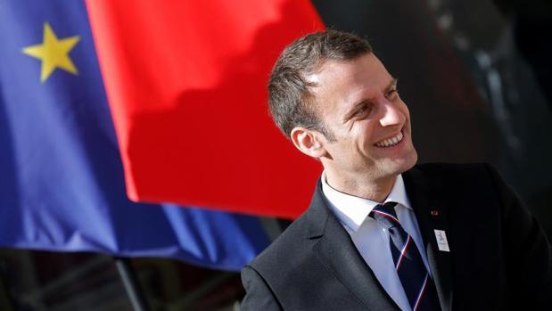 Macron presenta un gobierno de élite con miembros procedentes de hasta cuatro partidos
