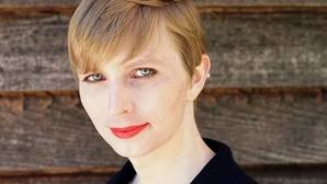 Chelsea Manning difunde su primera imagen en libertad