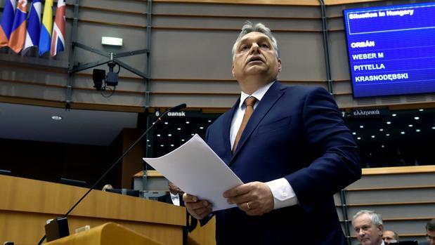 El primer ministro húngaro, Viktor Orban, en el Parlamento Europeo el pasado abril