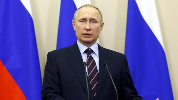 Putin en una rueda de prensa con Mahmud Abás