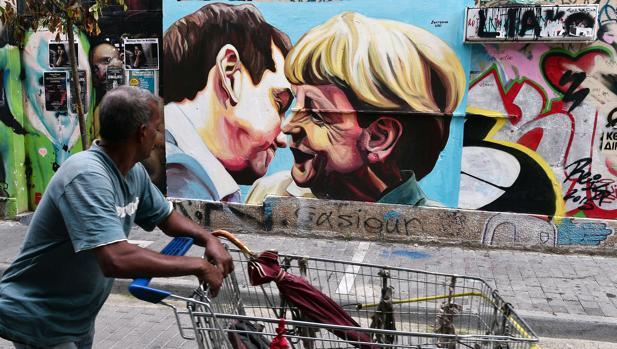 Los grafitis, parte del paisaje de Atenas y símbolo de lucha contra la crisis
