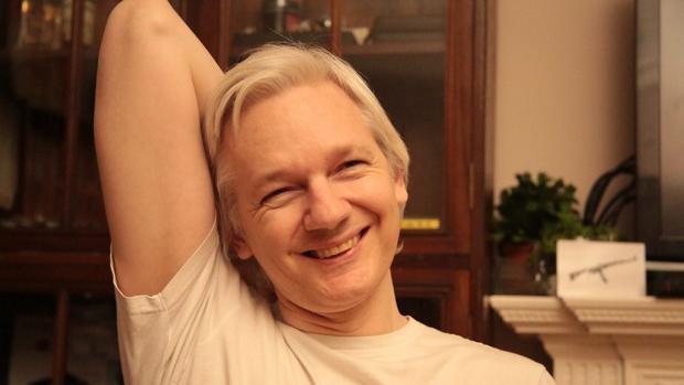 La Fiscalía sueca retira los cargos de violación contra Julian Assange