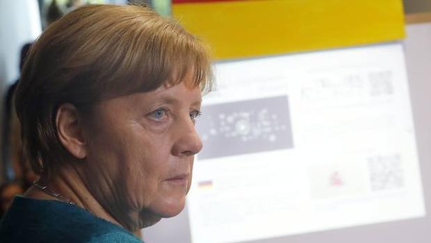 Merkel: «Alemania, hombro con hombro con nuestros amigos británicos»