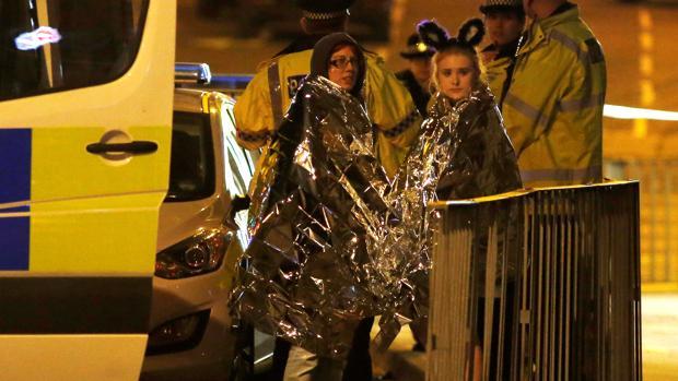 Un atentado suicida deja 22 muertos y 59 heridos en un concierto en Manchester
