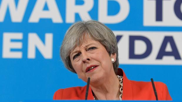 Theresa May: «Es un ataque terrorista espantoso»