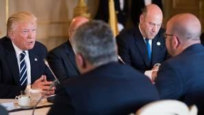 El presidente estadounidense, Donald Trump, en su reunión en Bruselas con el primer ministro belga