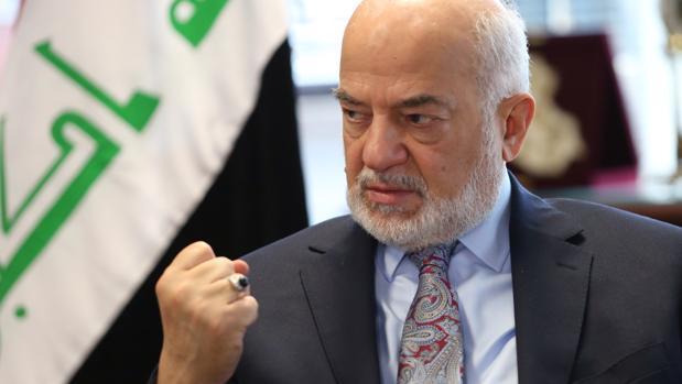 El ministro de Asuntos Exteriores iraquí, Ibrahim Al-Jaafari, durante la entrevista