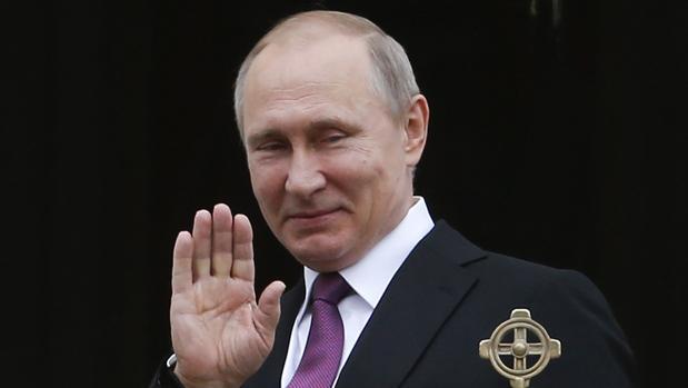 Putin va a ver a Macron para mostrar a su ciudadanía que no está tan aislado