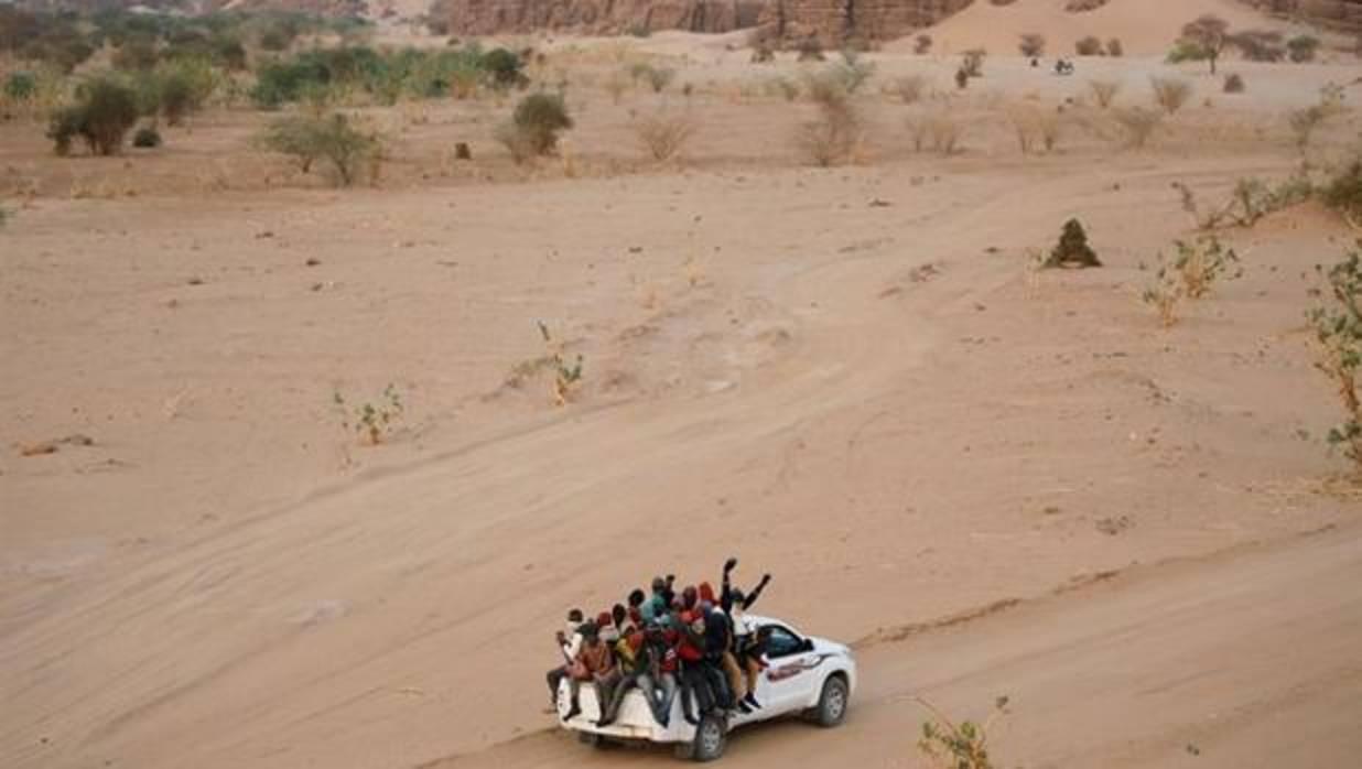 Resultado de imagen de subsaharianos abandonados en el desierto