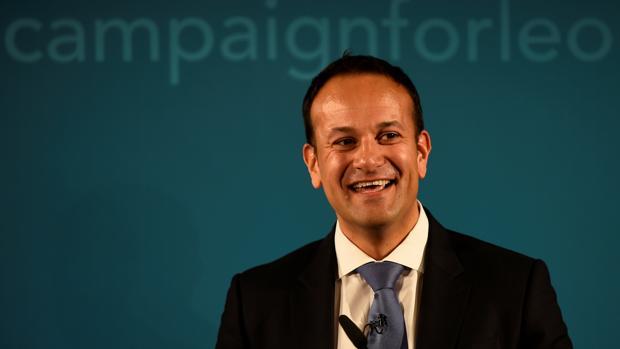 Leo Varadkar sucede a Enda Kenny al frente del Gobierno de Irlanda
