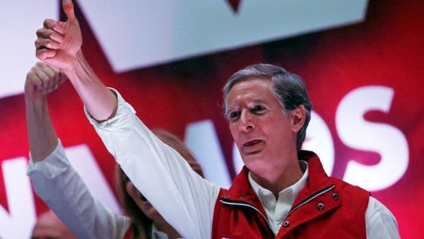 El oficialismo del PRI gana unas reñidas elecciones a gobernador en México