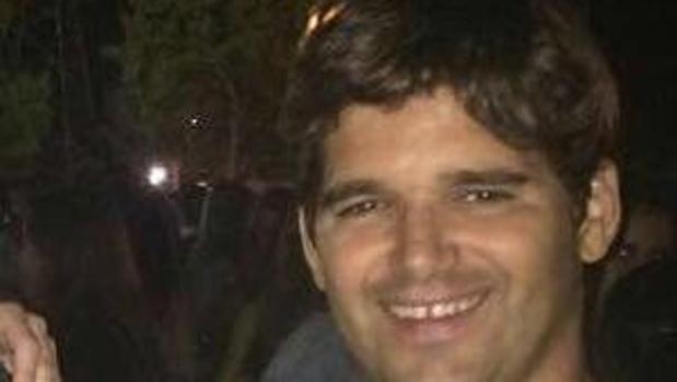 El cadáver de Ignacio Echeverría no será repatriado al menos hasta el martes