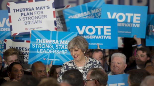Theresa May: de la imprevisión a lo imprevisible