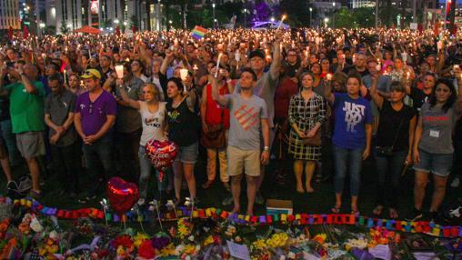 Vigilia por las víctimas de la masacre en Orlando, en junio del pasado año