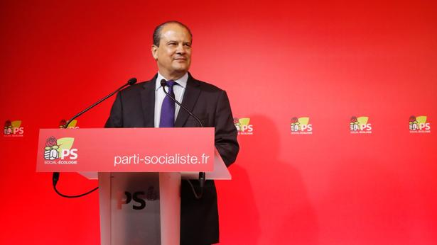 Dimite el líder socialista francés tras la derrota histórica en legislativas