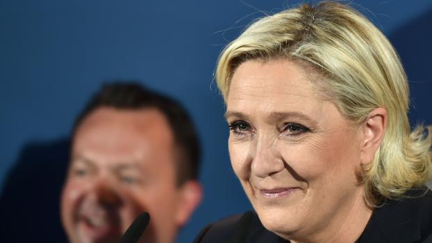 Marine Le Pen ha cargado contra la «frágil mayoría» de Macron