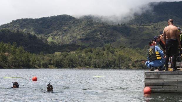 Ascienden a siete los muertos en el naufragio de una embarcación en Colombia