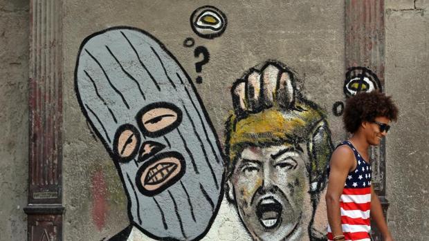 Grafiti contra Trump en una transitada calle de La Habana