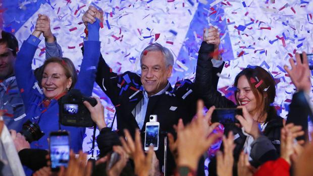 Sebastián Piñera y Beatriz Sánchez ganan las primarias en Chile