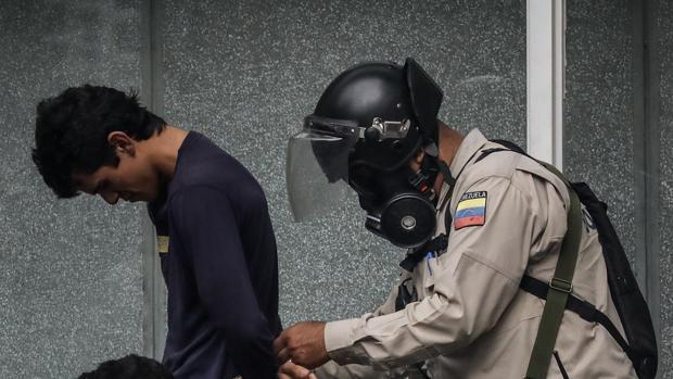 Estados Unidos quiere que la Unión Europa se sume a las sanciones contra Venezuela