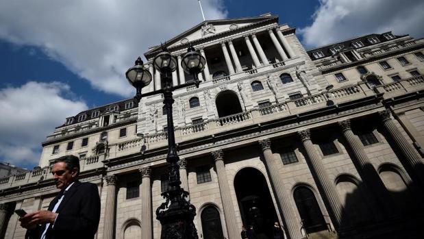 Los españoles del Reino Unido trabajan más en Banca que los británicos