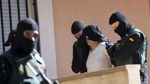 Presunto miembro del aparato de propaganda de Daesh detenido ayer en Madrid por la Guardia Civil