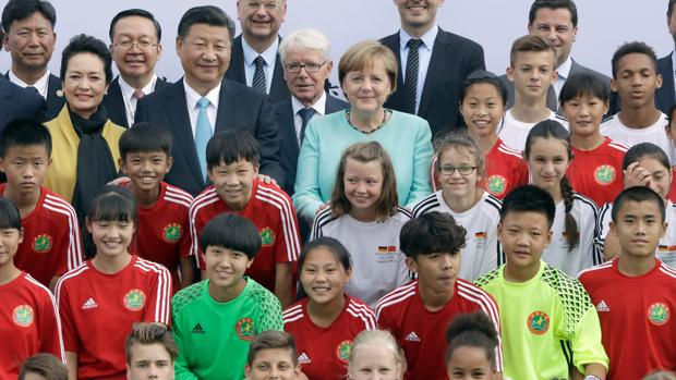 Merkel recibe al G-20 con China como aliado para el libre comercio