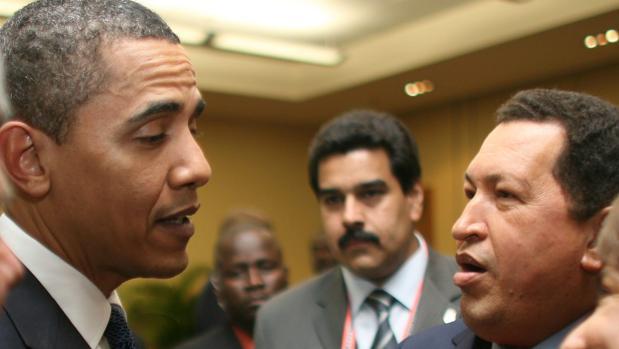 Obama, con Chávez y Maduro en 2009, durante un encuentro internacional celebrado en Colombia