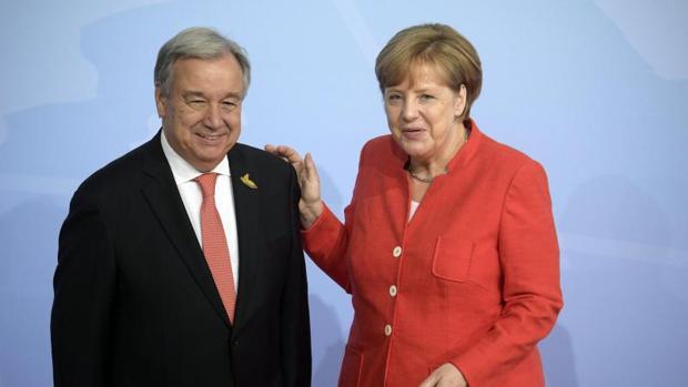Merkel dice que es posible llegar a acuerdos con voluntad de compromiso pero sin «doblegarse»