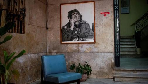Imagen de Fidel Castro en un comité del Partido Comunista de Cuba (PCC) en el centro de La Habana